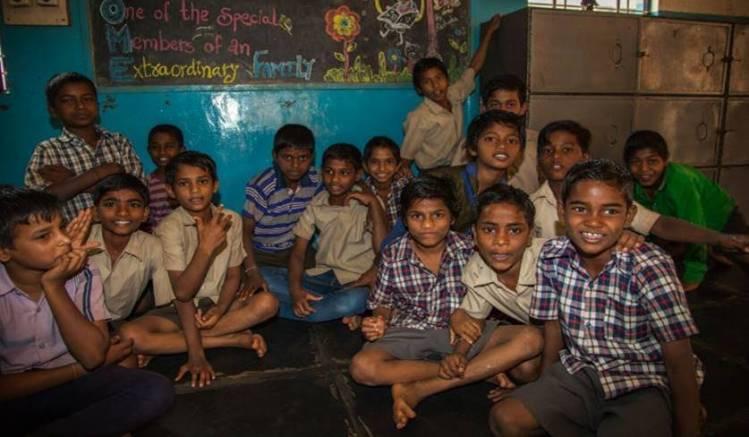 Straßenkinder in Bangalore, Indien